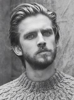 Dan Stevens, British Actor, Downton Abby.