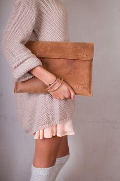 Cute outfit + laptop envelope!!