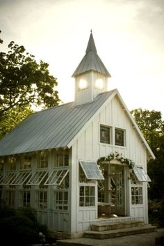When we win the lotto THIS will be my green house. *Swoon*
