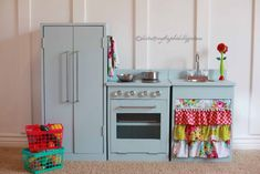 Another DIY play kitchen - {Q's Blue Play Kitchen}