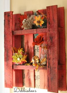 Diy #Pallet, free, painted with #rit dye, and decorated with #Dollar tree decor.