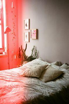 via leah reena: bedroom wall colors, leah reena, beds, frames, dream, frame arrangements, bedrooms, furniture, flowers