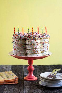 ντονατς τουρτα γενεθλιων - Party ideas for birthday cakes made out of donuts