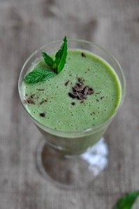 Peppermint Patty Green Smoothie from greenplaterule.com   I made this for myself and the kids and we LOVED it!!  Healthy too!