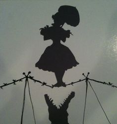 Haunted Mansion Portrait Silhouette, great for halloween decor. $14.00, via Etsy.