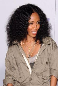 Jada Pinkett Smiths curly, voluminous hairstyle