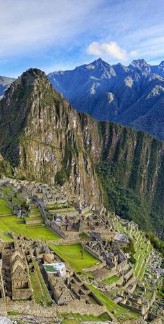 See #Peru's ancient sights (ahem, Machu Picchu) as well as its vibrant cities on this 5 day tour.