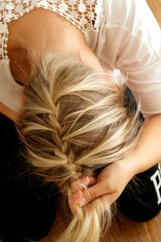 A Bird's Leap: How to: Upside Down French Braid Pony