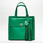 This would go great with my eyes!!! COACH LEGACY AMERICAN ICONS POCKET TOTE