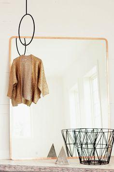 la la loving DIY copper framed mirror via @Jeanette Lai Thomas Lai Thomas Lai Thomas Lai Thomas Lunde #diy