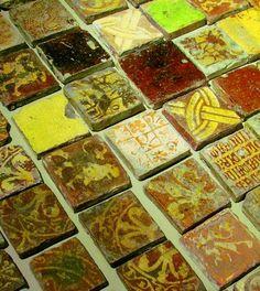 Troyes et ses « petits carrés d'histoire » mediev tile