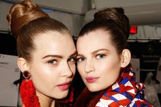 The month in beauty ideas: Berry-stained lips—the raspberry-blackberry hybrid was all over the fall runway