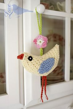 This is just the cutest thing!  Crochet Bird