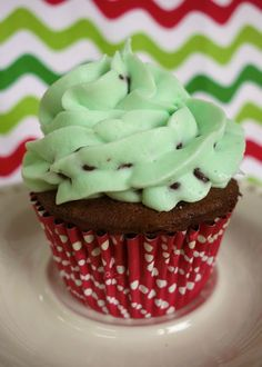 Mint Chocolate Chip Cupcakes and Buttercream Frosting Recipe