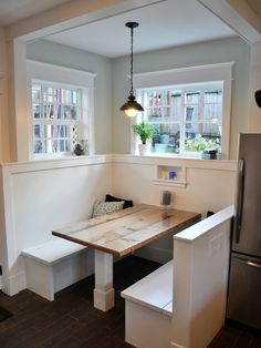 Love this booth for a kitchen.