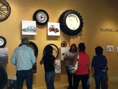 ¡Pide tu visita guiada por #LaBicicleta #Ruedaquerueda / Domingo todos entramos gratis. www.3museos.com