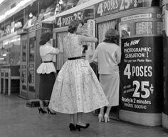photo booth, 1954. vintag, time, 1950s, photobooth, frank oscar, photo booths, york, photographi, oscar larson
