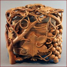 Untitled Round jewelry box 2006   Pear