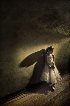 wedding photography, angel wings, ancora, shadow, angel photography, aspir photographi, inspir, flower girl, guardian angels