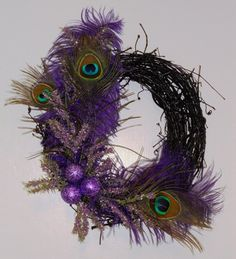 christmas wreath using peacock feathers