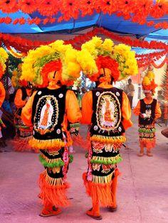 Matachines durante las celebraciones en honor a la Virgen de San Juan de los Lagos en Parras de la Fuente, Coahuila.