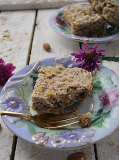 Gingered Date Breakfast Bars - Pure and Simple