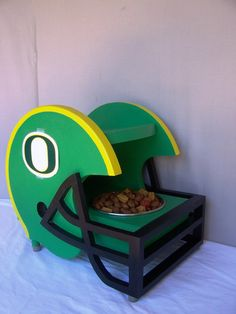 Pet Feeder University of Oregon Ducks Colors by Craftsmanlarry #GoDucks