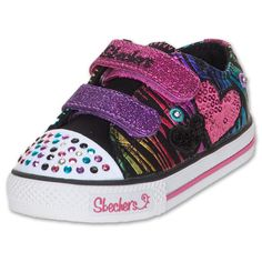 #ToddlerTuesdays Skechers Twinkle Toes at Finish Line! Shop here: http://finl.co/Qzhtcf $39.99