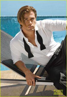 Chris Hemsworth - holy moly