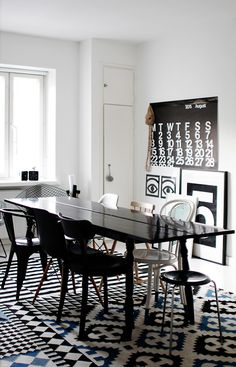 black & white dining room, and sweet, sweet rug!