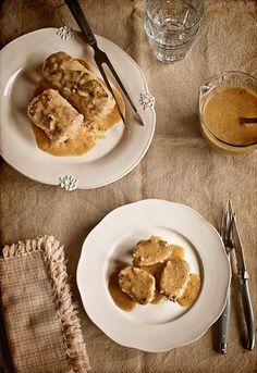 """Receta 726: Rollo de carne picada en salsa » 1080 Fotos de cocina  - proyecto basado en el libro """"1080 recetas de cocina"""", de Simone Ortega. http://www.alianzaeditorial.es/minisites/1080/index.html"""
