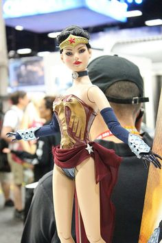 Amazonia Wonder Woman Doll by Tonner at SDCC 2012