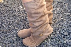 make your own boots - how cool is that??!! Womens Slouchy Boots Sewing Pattern