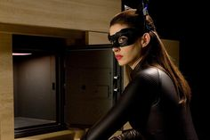 Catwoman's Anti-Inflammation Diet - YouBeauty