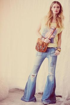 Bell bottoms jeans with tshirt