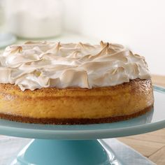 Repin this dessert recipe if you can almost taste this mouthwatering Lemon Meringue Cheesecake ;)