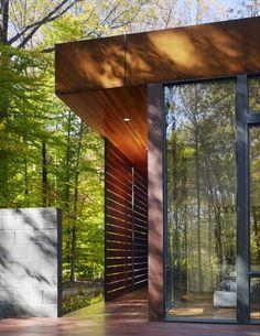 Great screen set away from the window wall!  -Harkavy Residence / Robert Gurney Architect/ Potomac, Maryland, USA