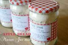 Apple Bread Mason Jar Mix {with Free Printable Labels & Recipe Cards}