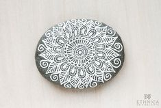 Painted rock / painted stone / decorative stones / by NikaEthnica