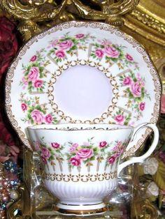 ROYAL ALBERT TRELLIS & ROSES GREEN PARK SERIES TEA CUP AND SAUCER SET