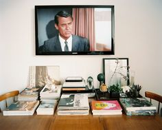Lonny Magazine Dec 2010 | Photography by Patrick Cline; Interior Design by Frank Muytjens