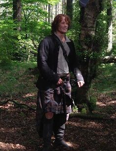 #Outlanders, what do you think Jamie is smiling about on the set of our next #EnjoyBetter spot w/ @Outlander_Starz? pic.twitter.com/VsyWL24NPy