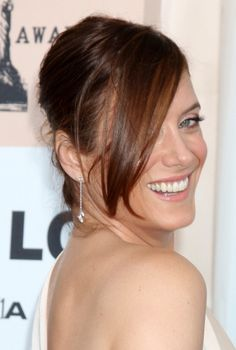 Kate Walshs chic, updo hairstyle