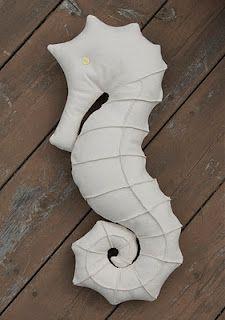 free seahorse pillow pattern