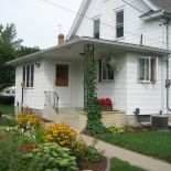 Vintage Porch - Shakopee, MN Self-service private weekends or weekdays accommodating up to 12 guests.