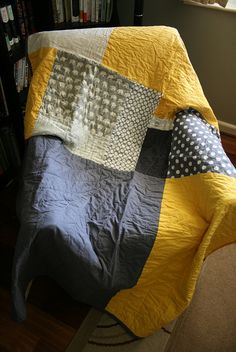 Yellow and grey quilt by Insung from NAMOO, via Flickr
