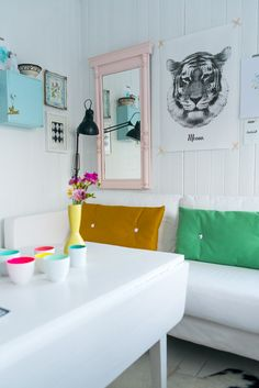 Living - white - colour (yellow, pink, green, blue) - art wall - mirror