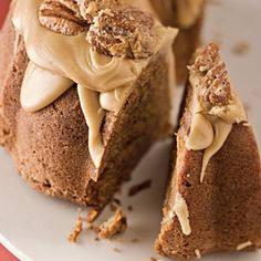 pound cakes, christmas desserts, bundt cakes, christmas cakes, pralin bundt, christmas dessert recipes, southern traditions, pound cake recipes, holiday desserts