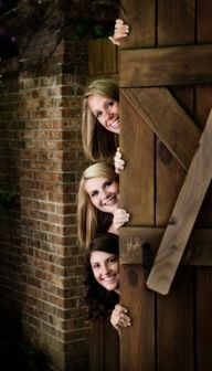 Great idea for friend or sisters photo.