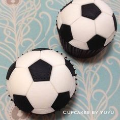 Get inspired by this fun collection of soccer themed cakes and cupcakes, perfect for your World Cup viewing party!